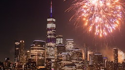 NEW YORK, NEW YORK - JULY 04: A view of the fireworks during the 43rd Annual Macy's 4th of July Fireworks on July 04, 2019 in New York City. (Photo by Noam Galai/Getty Images)