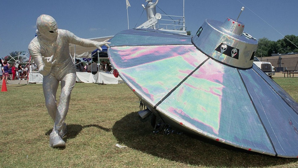 (Original Caption) Roswell, New Mexico: Crash And Burn Extravaganza Parade During UFO Expo. (Photo by