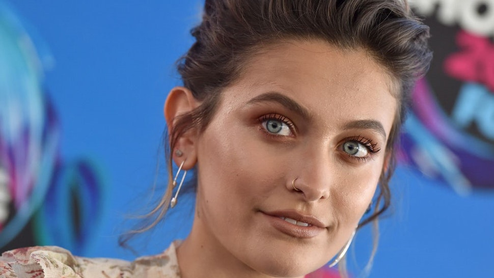 LOS ANGELES, CA - AUGUST 13: Actress Paris Jackson arrives at the Teen Choice Awards 2017 at Galen Center on August 13, 2017 in Los Angeles, California. (Photo by