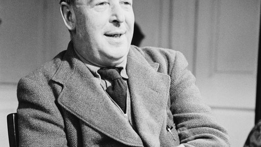Irish-born academic, writer and Christian apologist Clive Staples Lewis (1898 - 1963). As a Fellow and Tutor of Magdalen College he taught at Oxford from 1925 to 1954. Original Publication: Picture Post - 5159 - Eternal Oxford - pub. 1950 (Photo by John Chillingworth/Picture Post/Hulton Archive/Getty Images)
