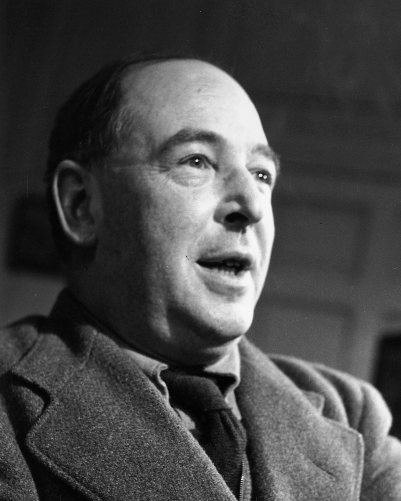 25th November 1950: British writer C S Lewis (Clive Staples Lewis, 1898 - 1963), a Fellow and Tutor of Magdalen College, Oxford. Original Publication: Picture Post - 5159 - Eternal Oxford - pub. 1950 (Photo by John Chillingworth/Picture Post/Hulton Archive/Getty Images)