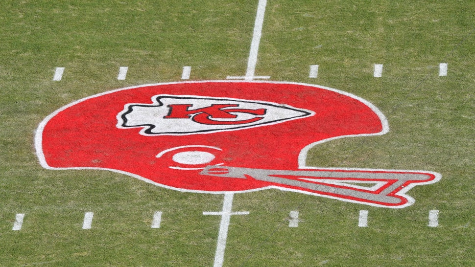 Kansas City Chiefs Ban 'American Indian-Themed Face Paint,' Headdresses At Games