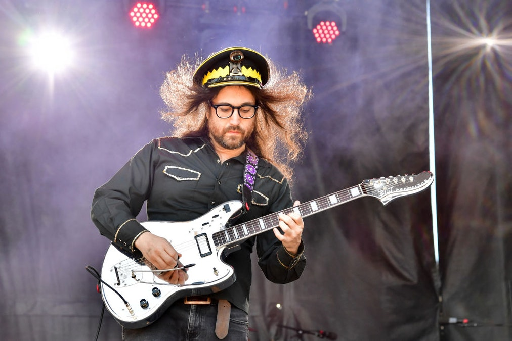 Sean Lennon Rips Fake Anti-Fascists, Fake Anti-Racists: They Will Achieve Nothing But 'Destruction And Chaos'