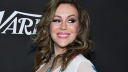 Alyssa Milano attends Sean Penn, Bryan Lourd and Vivi Nevo Host 10th Anniversary Gala Benefiting CORE at Wiltern Theatre on January 15, 2020 in Los Angeles, California.