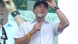 "Lance Armstrong speaks to the crowd at his ""Thank You Austin"" event after his seventh Tour De France win at Auditorium Shores on October 02, 2005 in Austin, Texas."
