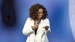 Oprah speaks onstage during 'Oprah's 2020 Vision: Your Life in Focus Tour' presented by WW (Weight Watchers Reimagined) at The Forum on February 29, 2020 in Inglewood, California. (Photo by Emma McIntyre/Getty Images)