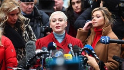 Actress Rose McGowan speaks during a press conference, after Harvey Weinstein arrived at State Supreme Court in Manhattan January 6, 2020 on the first day of his criminal trial on charges of rape and sexual assault in New York City. - Harvey Weinstein's high-profile sex crimes trial opens on Monday, more than two years after a slew of allegations against the once-mighty Hollywood producer triggered the #MeToo movement that led to the downfall of dozens of powerful men. The disgraced movie mogul faces life in prison if convicted in a New York state court of predatory sexual assault charges, in a trial expected to last six weeks.