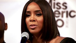 UNCASVILLE, CT - DECEMBER 19: Celebrity judge Kelly Rowland addresses the audience at the Miss America 2020 Competition Post Press Conference at Mohegan Sun on December 19, 2019 in Uncasville, Connecticut.
