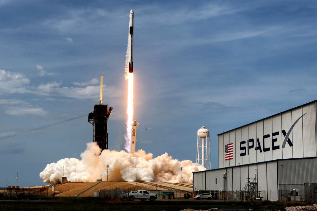 6 Things You Need To Know About SpaceX