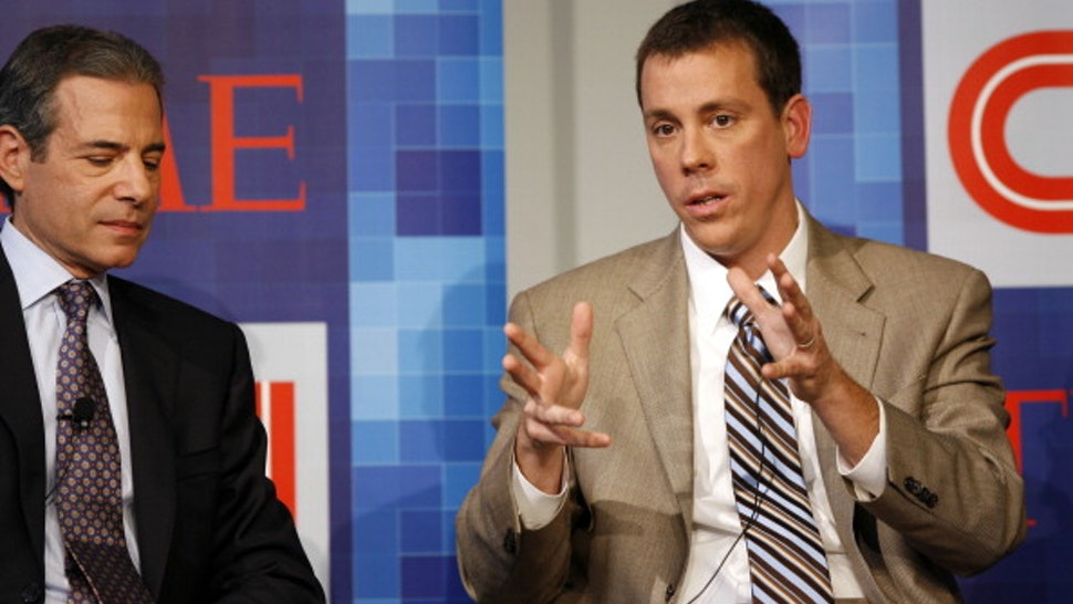 (L-R) Managing editor of TIME Richard Stengel and co-founder of Politico Jim VandeHei speak during Time Warner's Political Conference 2008 at the Time Warner Center on October 13, 2008 in New York City. 16949_717.JPG