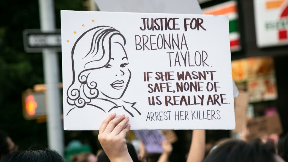 Hundreds of demonstrators gathered at Times Square, New York, US, on August 9, 2020 to call for justice in the case of Breonna Taylor. The 26-year-old African-American emergency medical technician was fatally shot by Louisville Metro Police Department (LMPD) officers Jonathan Mattingly, Brett Hankison, and Myles Cosgrove on March 13, 2020. The three LMPD officers executed a no-knock search warrant in plainclothes while entering her apartment in Louisville, Kentucky. (Photo by