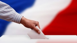 Voting booth box ballot