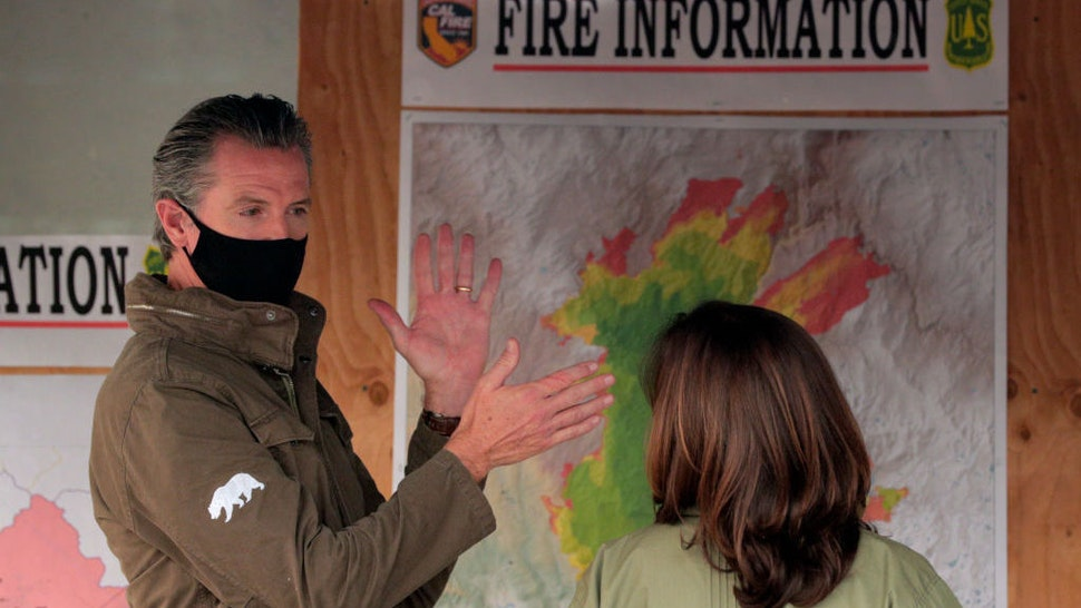 PINERIDGE, CA - SEPT. 15: Sen. Kamala Harris, the Democratic vice presidential nominee, met with Gov. Gavin Newsom and CalFire officials to review the devastation of the Creek fire in Pineridge, Calif., on Tuesday, September 15, 2020. (Carlos Avila Gonzalez/The San Francisco Chronicle via Getty Images)