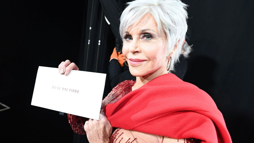 n this handout photo provided by A.M.P.A.S. Jane Fonda poses with the Best Picture envelope backstage during the 92nd Annual Academy Awards at the Dolby Theatre on February 09, 2020 in Hollywood, California.
