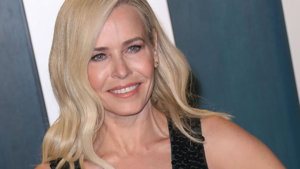 Chelsea Handler attends the 2020 Vanity Fair Oscar Party at Wallis Annenberg Center for the Performing Arts on February 09, 2020 in Beverly Hills, California.