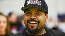 Rapper Ice Cube coachs during Baron Davis hosts Black Santa Celebrity Basketball Fundraiser on December 16, 2017 in Santa Monica, California.