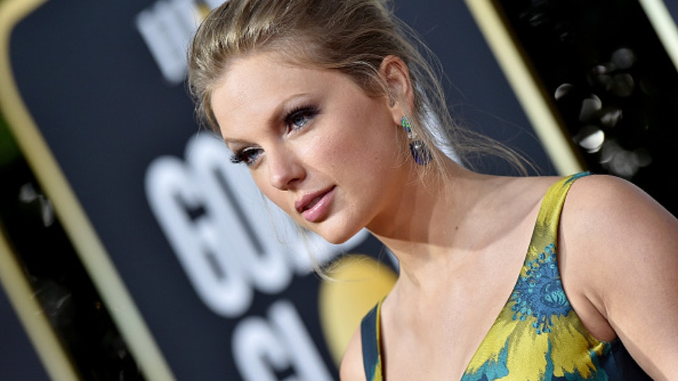 BEVERLY HILLS, CALIFORNIA - JANUARY 05: Taylor Swift attends the 77th Annual Golden Globe Awards at The Beverly Hilton Hotel on January 05, 2020 in Beverly Hills, California.