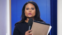 NBC White House correspondent Kristen Welker is seen before a briefing by White House Press Secretary Sarah Sanders in the Brady Briefing Room of the White House in Washington, DC on October 3, 2018. (Photo by MANDEL NGAN / AFP) (Photo by