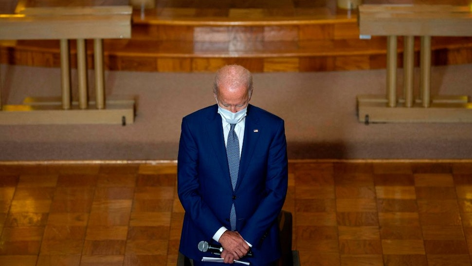 Joe Biden praying