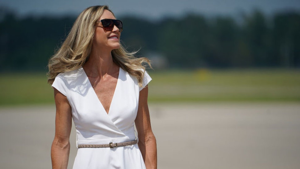 Lara Trump awaits US President Donald Trump at Wilmington International Airport in Wilmington, North Carolina on September 2, 2020. - Trump is in Wilmington to designate it as the first American World War II heritage city on the 75th anniversary of the end of WWII.