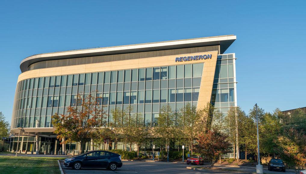 Quang cảnh Trụ sở Công ty và Nghiên cứu và Phát triển của Regeneron Pharmaceuticals, Inc. trên Đường Old Saw Mill River. Lev Radin / Pacific Press / LightRocket qua Getty Images.