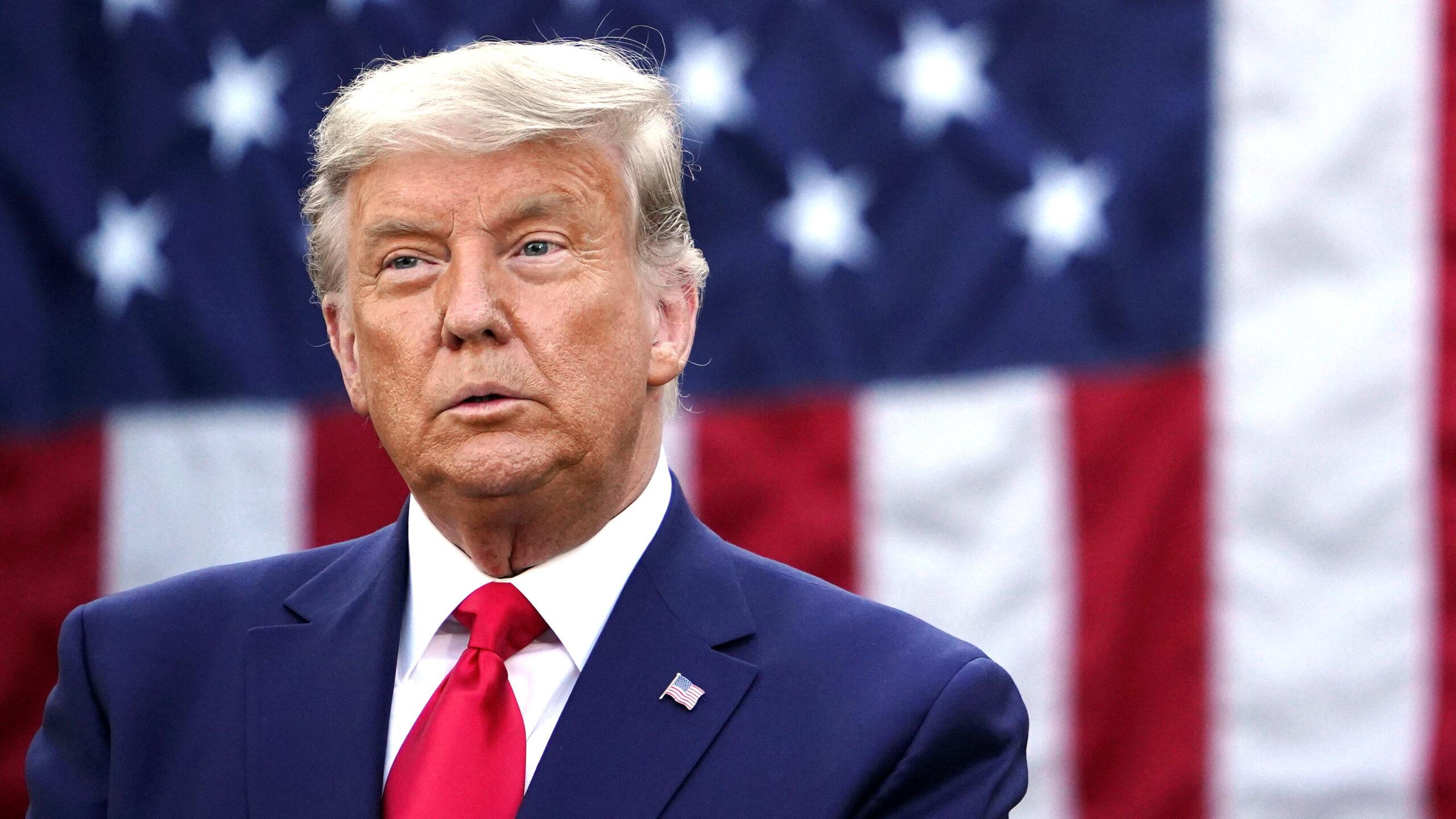 Tổng thống Hoa Kỳ Donald Trump tại Vườn Hồng của Nhà Trắng ở Washington, DC vào ngày 13 tháng 11 năm 2020. MANDEL NGAN / AFP qua Getty Images