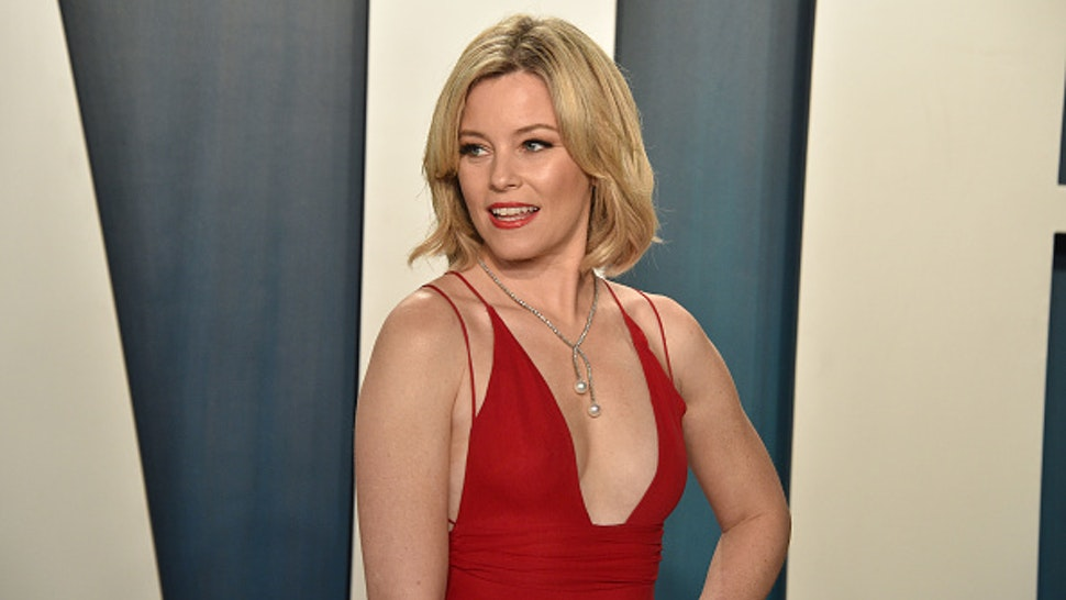 BEVERLY HILLS, CALIFORNIA - FEBRUARY 09: Elizabeth Banks attends the 2020 Vanity Fair Oscar Party at Wallis Annenberg Center for the Performing Arts on February 09, 2020 in Beverly Hills, California