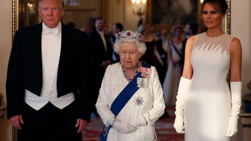 LONDON, ENGLAND - JUNE 03: (L-R) Queen Elizabeth II (C), poses for a photo with U.S. President Donald Trump (L) and First Lady Melania Trump (R) ahead of a State Banquet at Buckingham Palace on June 3, 2019 in London, England. President Trump's three-day state visit will include lunch with the Queen, and a State Banquet at Buckingham Palace, as well as business meetings with the Prime Minister and the Duke of York, before travelling to Portsmouth to mark the 75th anniversary of the D-Day landings. (Photo by Alastair Grant - WPA Pool/Getty Images)