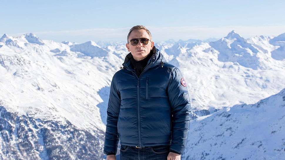 SOLDEN, AUSTRIA - JANUARY 07: Daniel Craig poses at the photo call for the 24th Bond film 'Spectre' at ski resort on January 7, 2015 in Soelden, Austria. (Photo by Jan Hetfleisch/Getty Images)