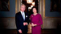 King Carl XVI Gustaf of Sweden and Queen Silvia of Sweden pose at the Royal Castle in Stockholm, Sweden, on December 3, 2020. (Photo by Pontus LUNDAHL / TT News Agency / AFP) / Sweden OUT