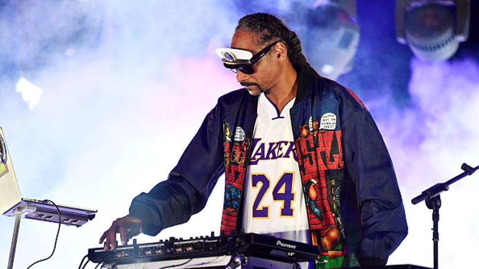 VENTURA, CALIFORNIA - OCTOBER 02: DJ Snoopadelic performs onstage during the 'Concerts in Your Car's' drive-in concert at Ventura County Fairgrounds and Event Center on October 02, 2020 in Ventura, California. Due to ongoing coronavirus social distance restrictions, drive-in concerts have become a popular way for fans to experience live music