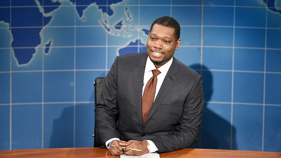 "SATURDAY NIGHT LIVE -- ""John Mulaney"" Episode 1790 -- Pictured: Anchor Michael Che during Weekend Update on Saturday, October 31, 2020"