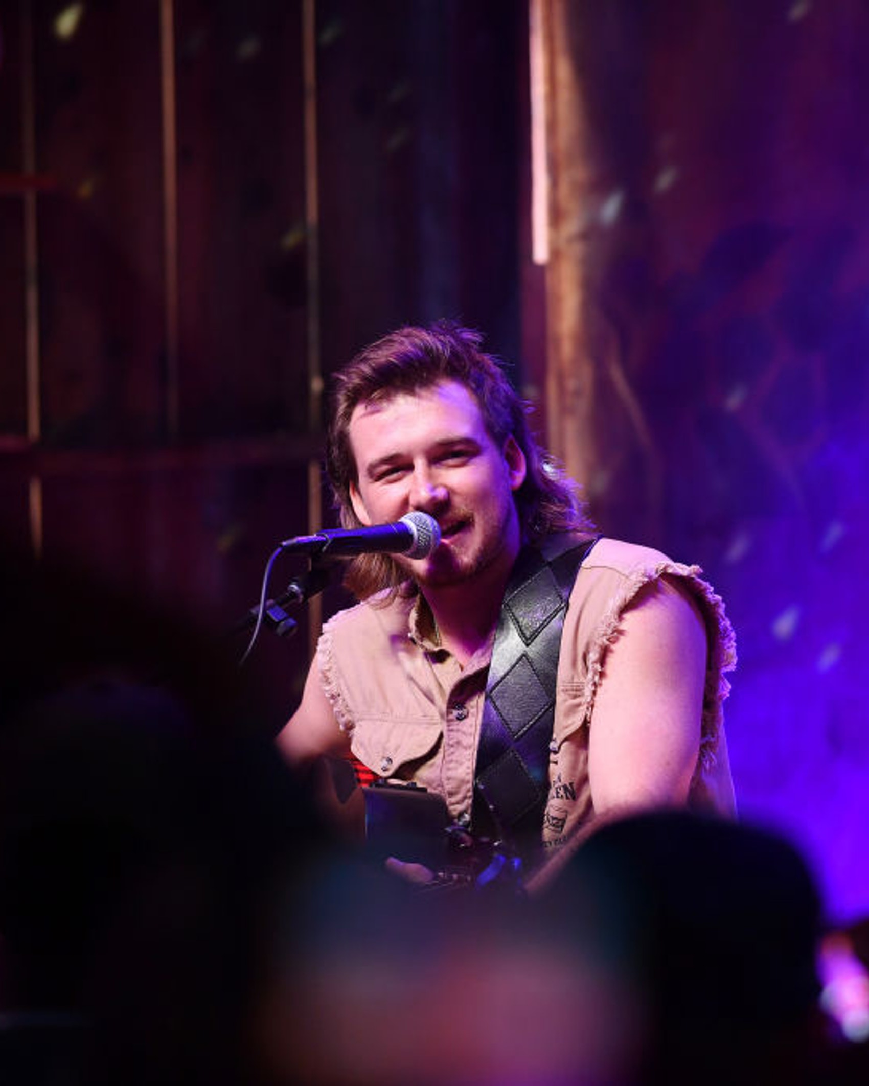 NASHVILLE, TENNESSEE - JUNE 06: Morgan Wallen performs onstage in the HGTV Lodge at CMA Music Fest on June 06, 2019 in Nashville, Tennessee. (Photo by Jason Davis/Getty Images for HGTV)