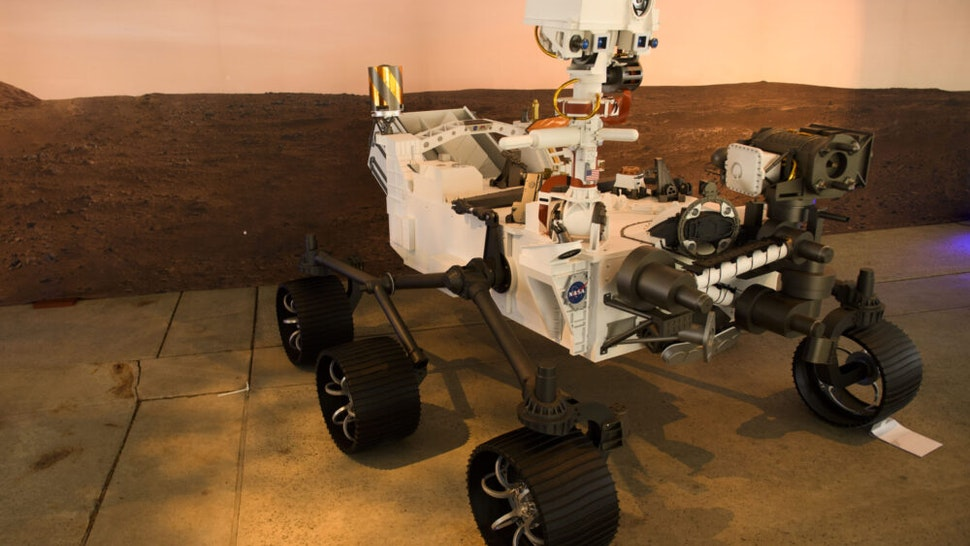 A full scale model of the Mars 2020 Perseverance rover is displayed at NASA's Jet Propulsion Laboratory (JPL) on February 16, 2021 in Pasadena, California. - The Mars exploration rover will search for signs of ancient microbial life and collect rock samples for future return to Earth to study the red planet's geology and climate, paving the way for human exploration. Perseverance also carries the experimental Ingenuity Mars Helicopter - which will attempt the first powered, controlled flight on another planet.