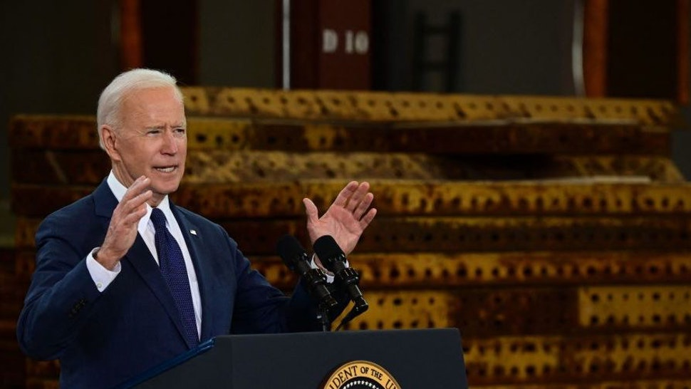"""US President Joe Biden speaks in Pittsburgh, Pennsylvania, on March 31, 2021. - President Biden will unveil in Pittsburgh a $2 trillion infrastructure plan aimed at modernizing the United States' crumbling transport network, creating millions of jobs and enabling the country to """"out-compete"""" China"""