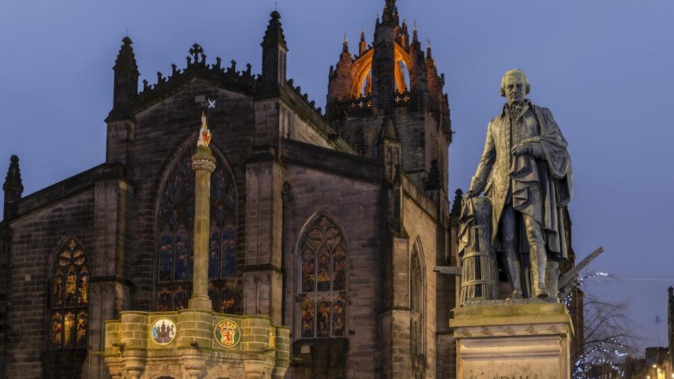 Adam Smith Monument, Gothic St Giles' Cathedral at dusk, Edinburgh, Scotland, United Kingdom
