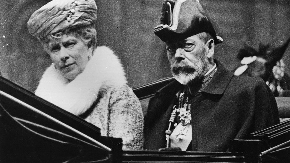May 1928: A close-up of King George V and Queen Mary in a carriage on their way to the Knights of St John Ceremony at Westminster Abbey. (Photo by Fox Photos/Getty Images)