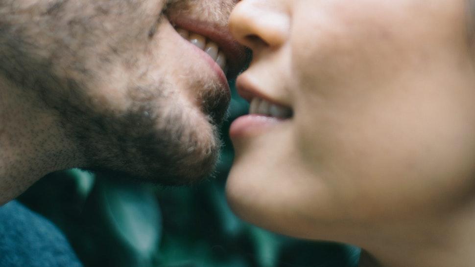 People kissing