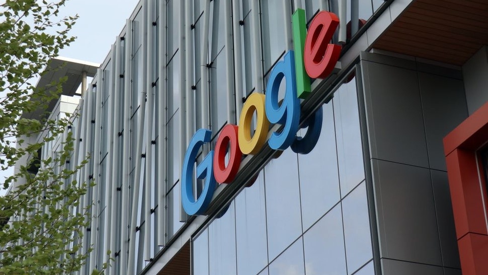 SEATTLE, UNITED STATES - 2021/04/27: The Google logo seen at the entrance to Google Cloud campus in Seattle. Google, a division of Alphabet, announced its quarterly earnings 27th Apr 2021.
