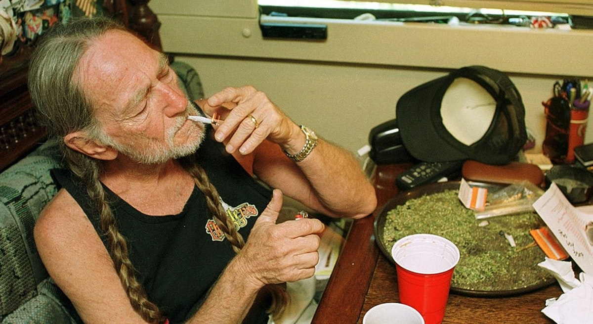 Willie Nelson Calls On Biden To Declare 4/20 A National Marijuana Holiday