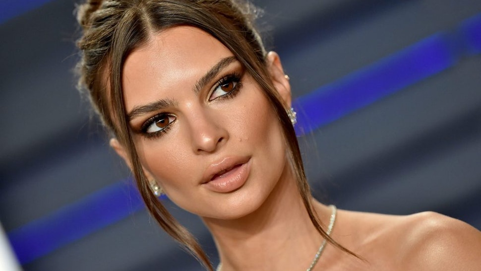 BEVERLY HILLS, CALIFORNIA - FEBRUARY 24: Emily Ratajkowski attends the 2019 Vanity Fair Oscar Party Hosted By Radhika Jones at Wallis Annenberg Center for the Performing Arts on February 24, 2019 in Beverly Hills, California.