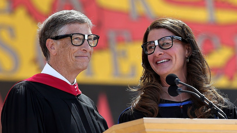 STANFORD, CA - JUNE 15: Microsoft founder and chairman Bill Gates shares the stage with his wife Melinda during the 123rd Stanford commencement ceremony June 15, 2014 in Stanford, California. Bill Gates and wife Melinda Gates delivered the commencement speech to Stanford University graduates. (Photo by