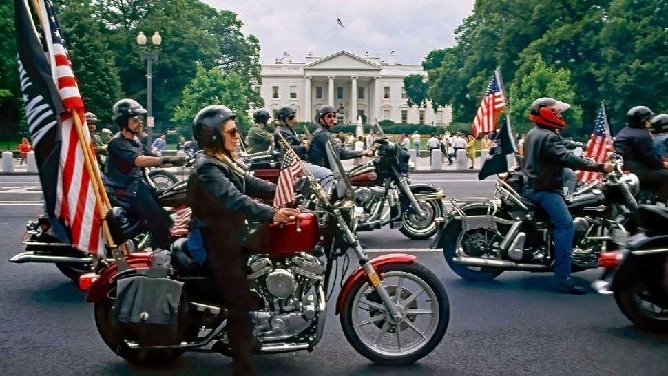 """The 3rd """"u201cRolling Thunder""""u201d freedom ride roars past the North Lawn of the White House """"nWashington DC. May 27, 1990 (Photo by"""