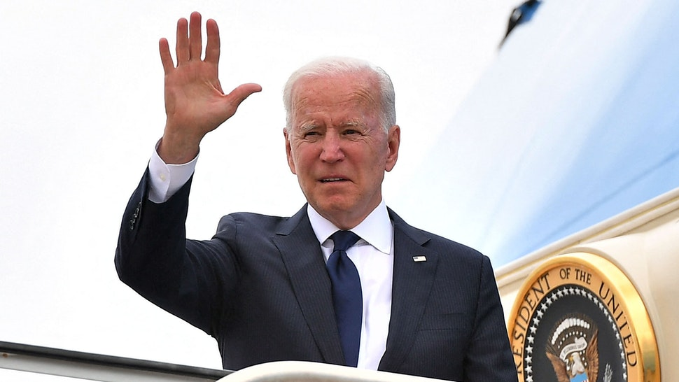 US President Joe Biden boards Air Force One before departing from Tulsa International Airport in Tulsa, Oklahoma, on June 1, 2021. - US President Joe Biden traveled Tuesday to Oklahoma to honor the victims of a 1921 racial massacre in the city of Tulsa, where African American residents are hoping he will hear their call for financial reparations 100 years on.