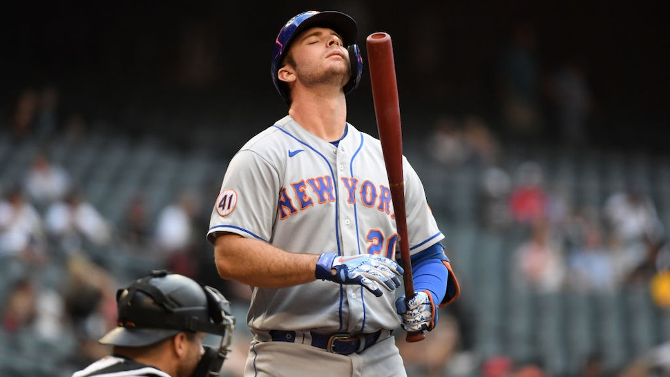PHOENIX, ARIZONA - JUNE 01: Pete Alonso #20 of the New York Mets gets ready in the batters box against the Arizona Diamondbacks at Chase Field on June 01, 2021 in Phoenix, Arizona. (Photo by Norm Hall/Getty Images)