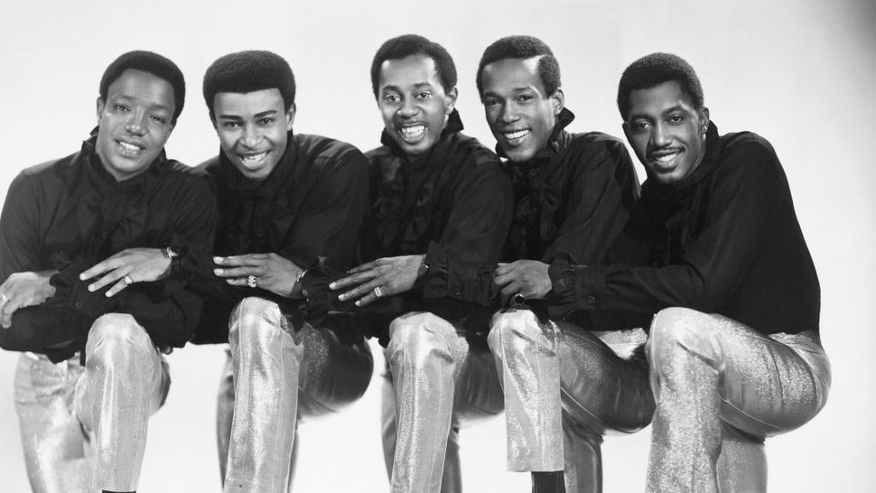 """NEW YORK - 1965: L-R: Eddie Kendricks, Paul Williams, Melvin Franklin, David Ruffin and Otis Williams of the R&B group """"The Temptations"""" pose for a portrait in 1965 in New York City, New York. (Photo by Michael Ochs Archives/Getty Images)"""