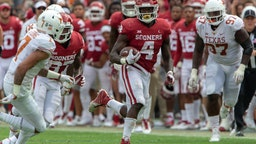 DALLAS, TX - OCTOBER 06: Oklahoma Sooners running back Trey Sermon (4) during the Big 12 Conference Red River Rivalry game against the Texas Longhorns on October 6, 2018 at Cotton Bowl Stadium in Dallas, Texas. (Photo by William Purnell/Icon Sportswire via Getty Images)