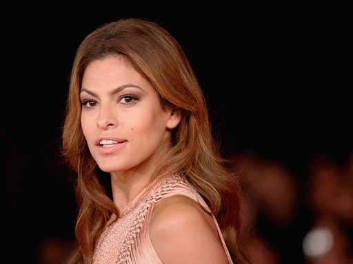 """ROME - OCTOBER 29: Actress Eva Mendes attends the """"Little White Lies"""" premiere during The 5th International Rome Film Festival at Auditorium Parco Della Musica on October 29, 2010 in Rome, Italy. (Photo by Ernesto Ruscio/Getty Images)"""