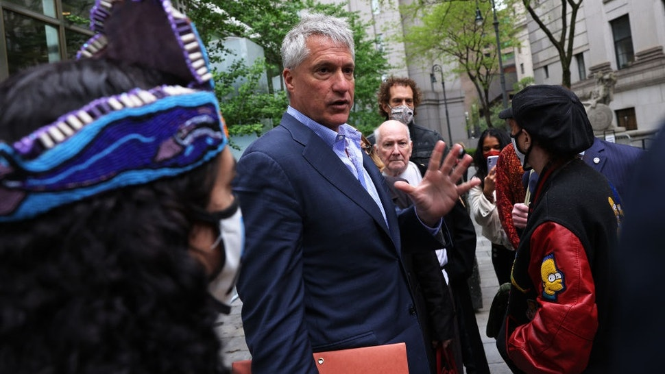 NEW YORK, NEW YORK - MAY 10: Attorney Steven Donziger speaks to his supporters as he arrives for a court appearance at Daniel Patrick Moynihan United States Courthouse in Manhattan on May 10, 2021 in New York City.