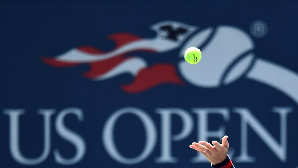 Czech Republic's Tomas Berdych serves the ball to Ryan Harrison of the US during their 2017 US Open Men's Singles match at the USTA Billie Jean King National Tennis Center in New York on August 30, 2017. / AFP PHOTO / Jewel SAMAD (Photo credit should read JEWEL SAMAD/AFP via Getty Images)